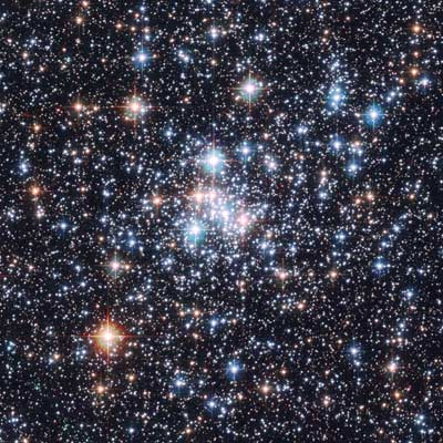 Hot White Dwarf Shines in Young Star Cluster NGC 1818 (Public Domain via Hubble)