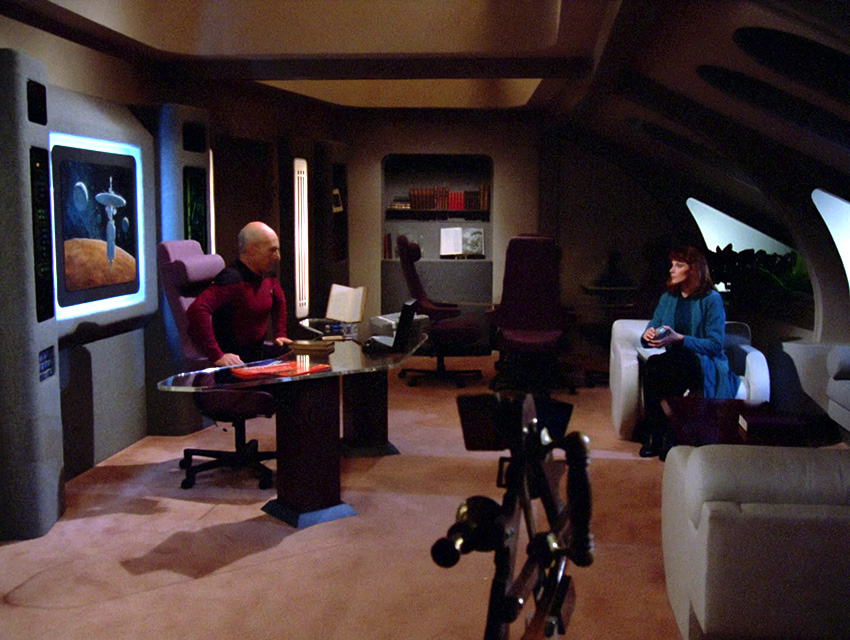 25 Days Of TNG Day 5 Meet The New Ship Not The Same As